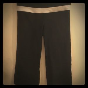Lululemon cropped wide leg! Sz 8